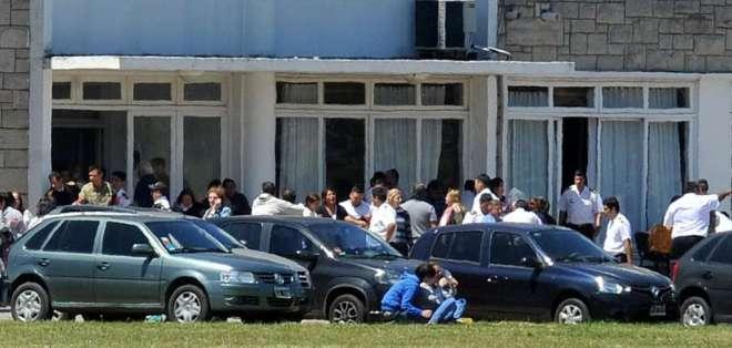 La angustia de los familiares luego de recibir la información oficial. TÉLAMrgentina