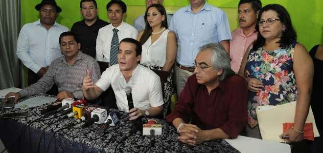 Ricardo Zambrano y María Fernanda Espinosa reemplazan a Rivadeneira y Patiño. Foto: API