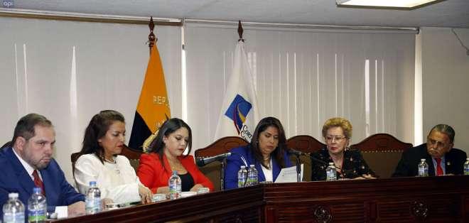 Organismo convocó a sesión extraordinaria por consulta que impulsa Lenín Moreno. Foto: Archivo API