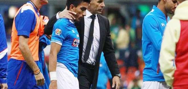 El ecuatoriano Ángel Mena se quedó sin entrenador tras confirmarse la salida de 'Paco' Jémez.