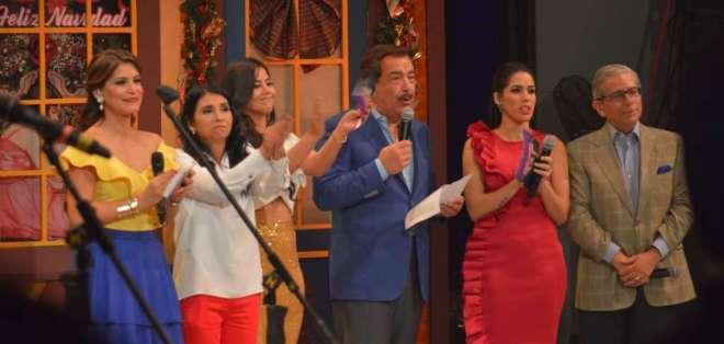 El alcalde Jaime Nebot anuncia el monto recolectado en la Teletón 2017. Foto: Franklin Navarro-Ecuavisa.