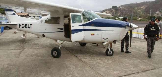 Entre los detenidos constan 5 ecuatorianos, 3 colombianos y 1 mexicano, este último era el piloto. Foto: Min. del Interior