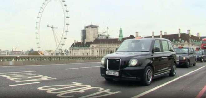 LONDRES, Reino Unido.- Estos modelos eléctricos vienen con wifi, cargadores USB, enchufe y lector de tarjetas. Foto: BBC Mundo.com.
