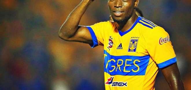 El ecuatoriano Enner Valencia marcó en la final de ida para darle el empate a Tigres ante Monterrey.