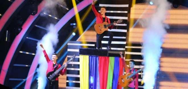 Los tres jóvenes que integran el grupo agradecieron a sus fanáticos. Foto: Juventud Bolivarense