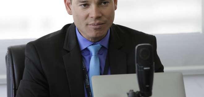 Solicitan fecha para audiencia de formulación de cargos contra Iván Espinel.