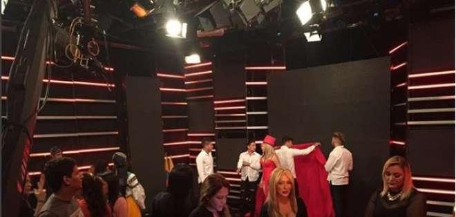 """El estudio de En Contacto se transformó para la última gala del reality """"Buscando a Sharon"""".    Foto:IGEnContacto"""