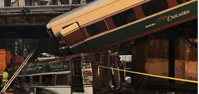 Un tren se descarrila en EEUU y deja varios muertos, según reportes oficiales. Foto: BBC.com