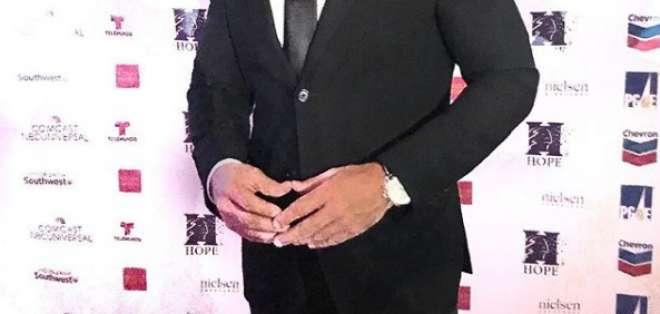 """El artista puertorriqueño debutó en 1998 con su primer álbum: """"Carlos Ponce"""". Foto: Instagram Carlos Ponce."""