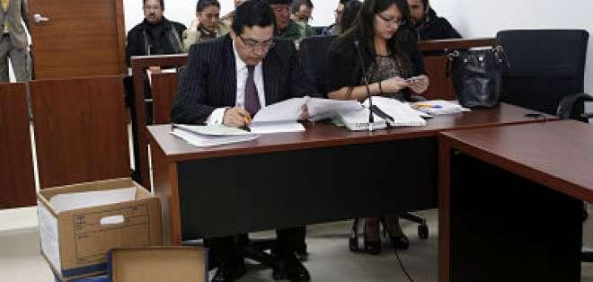 Además, la Fiscalía reformuló cargos contra los exfuncionarios Galo C., María S., y Bolívar B.  Foto: API