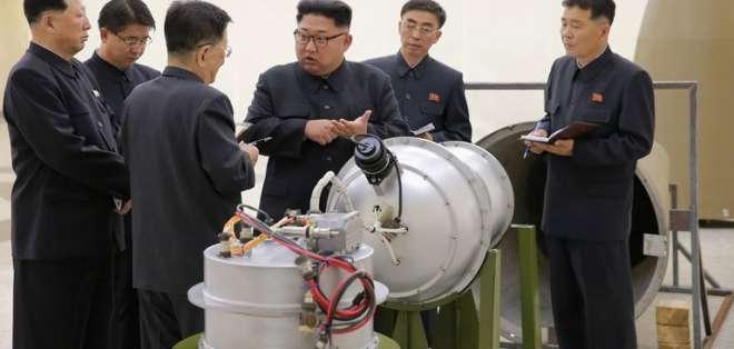 Kim dice que Corea del Norte debe producir masivamente bombas nucleares y misiles. Foto: Archivo