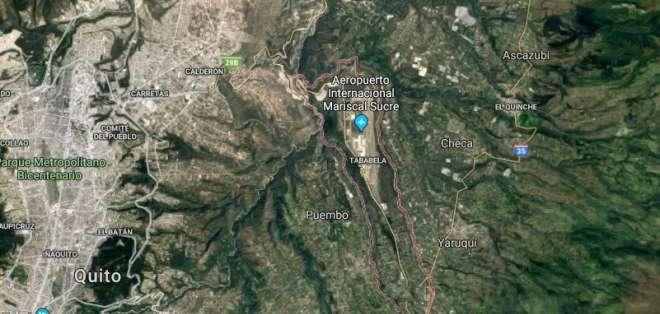 QUITO, Ecuador.- La terminal aérea informó que continúa sus operaciones con normalidad tras el temblor.  Foto: Google Earth.