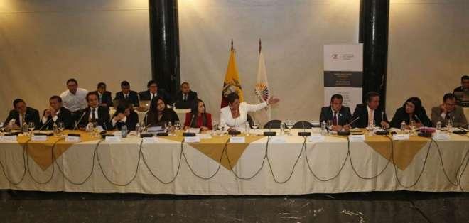 QUITO, Ecuador.- La presidenta de la Comisión de Fiscalización, María José Carrión, señaló que no hubo demora en el proceso. Foto: API