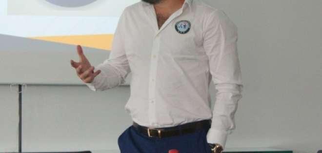 Miguel Ángel Loor, presidente del club, hizo el anuncio en conversación con medios de comunicación. Foto: Tomada de la cuenta twitter @GuayaquilCityFC
