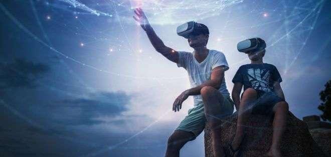 ¿Realidad virtual o aumentada?¿Realidad virtual o aumentada? Una mezcla de ambas: la realidad mixta promete ser la gran revolución de 2018.