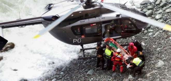 PERÚ.- Sólo seis ocupantes del autobús salieron con vida del accidente. Foto: AFP
