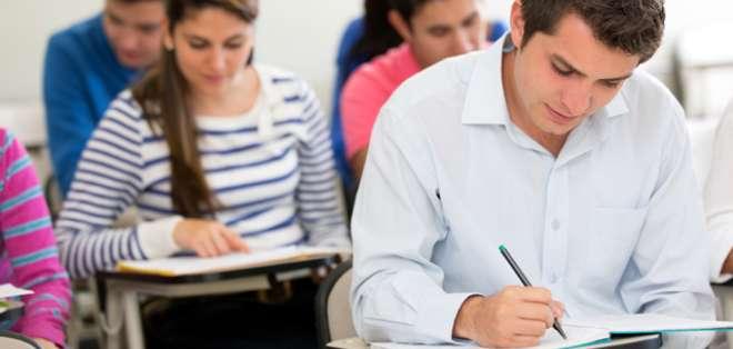 Postulantes podrán elegir la sede donde quieren dar el examen 'Ser Bachiller'. Foto: Referencial