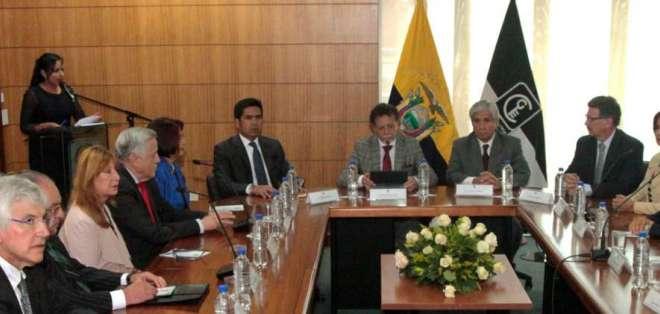 Contraloría notificó a RafaelCorrea por manejo de la deuda pública entre 2012 y mayo de 2017. Foto: API