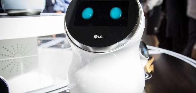 El robot  se negó obstinadamente a obedecer las órdenes de su creador en presentación. Foto: www.cnet.com