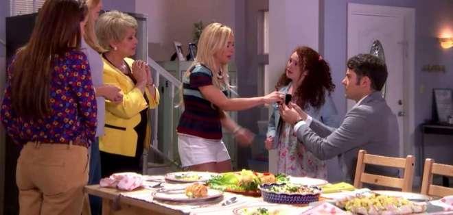 Majo recibe una propuesta de matrimonio. Foto: Captura de Video.