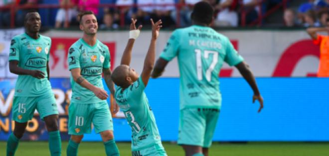 ELy Esterilla (c.) marcó uno de los goles del elenco 'torero'. Foto: Tomada de a cuenta Twitter @Florida_Cup_ES