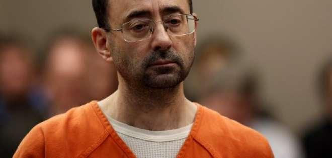 El médico fue sentenciado de 40 a 175 años de cárcel. Foto: AFP