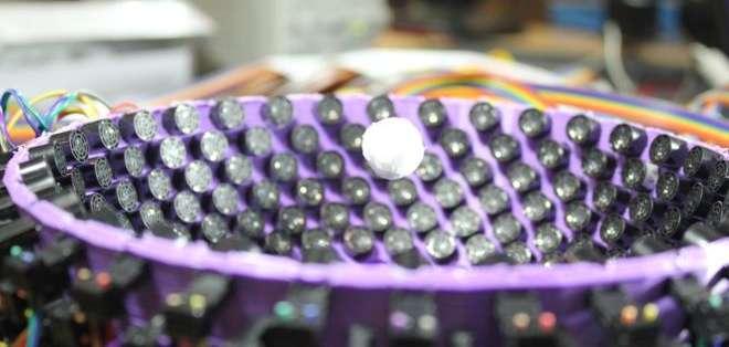 La técnica desarrollada controla el movimiento del objeto con las ondas sonoras. Cortesía: Universidad de Bristol.