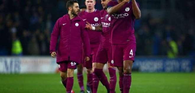 El club inglés aún está en la pelea de los cuatro torneos en los que participa. Foto: AFP