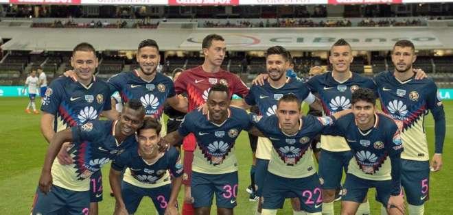 El volante ecuatoriano cobró un tiro de esquina que terminó en gol de Bruno Valdez. Foto: Tomada de la cuenta Twitter @RenatoIbarraM