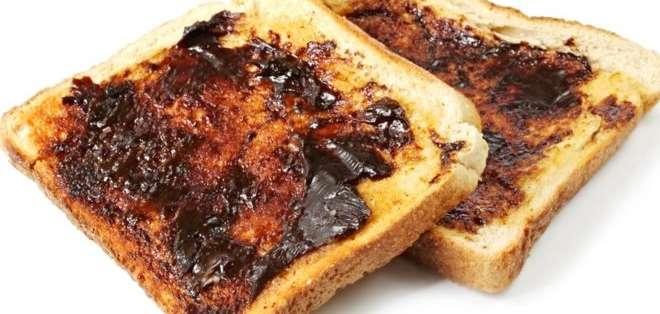 Marmite y Vegemite son dos marcas de extractos de levadura que se suelen comer untados en tostadas.