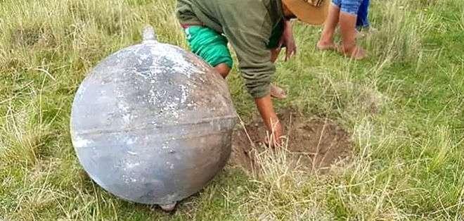 Los cuatro objetos cayeron el sábado en una zona de la ciudad de Puno, en la provincia peruana de Azángaro.