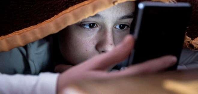 Los niños no están preparados para usar redes sociales, según expertos.