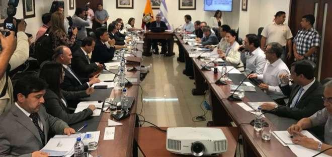 Economistas continuarán colaborando en diferentes aspectos relacionados con el desarrollo del país. Foto: Twitter @FinanzasEc