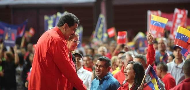"""""""Acepto la candidatura para llevar a Venezuela a la recuperación total"""", dijo.  Foto: Twitter@PresidencialVen"""