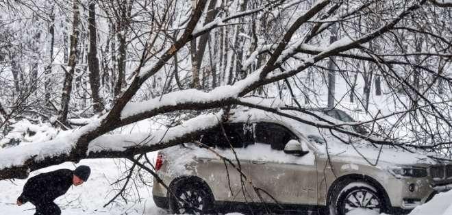 La mayor tempestad de nieve jamás registrada perturbaba fuertemente la vida cotidiana en general. Foto: AFP
