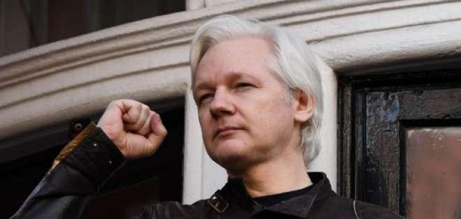 LONDRES, Inglaterra.- Julian Assange lleva más de 5 años asilado en la embajada de Ecuador. Foto: AFP
