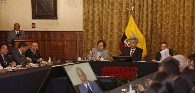 La justicia británica resolvió mantener la orden de detención contra Assange. Foto: API