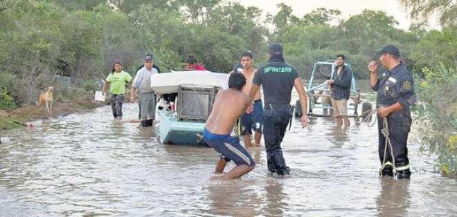 SALTA, Argentina.- Distintas localidades como Embarcación y Rivadavia Banda Sur también están afectadas por el desbordamiento del río Bermejo. Foto: twitter