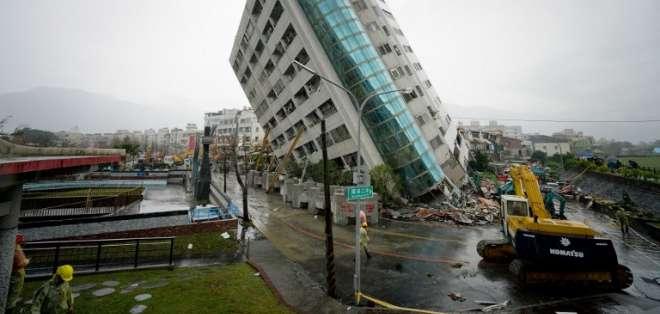 Seis muertos y más de 200 heridos en un terremoto en Taiwán. Foto: AFP