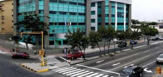 QUITO, Ecuador.- Entre las irregularidades se menciona la falta de estudios técnicos y económicos en los contratos con las empresas. Foto: Archivo.