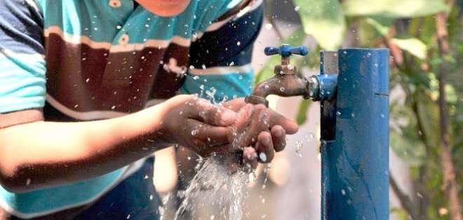 La empresa de agua potable de Durán suspenderá el servicio por trabajos de mantenimiento. Foto: internet