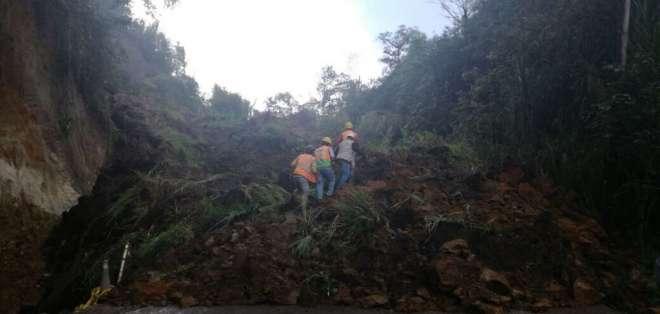 PICHINCHA, Ecuador.- Las autoridades no han informado de víctimas mortales o heridos tras el deslizamiento. Foto: Ecu911 Quito