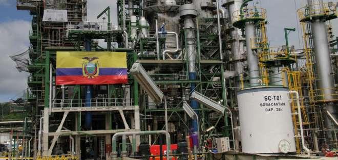 La Refinería de Esmeraldas parará 15 días en marzo por trabajos de mantenimiento. Foto: Archivo