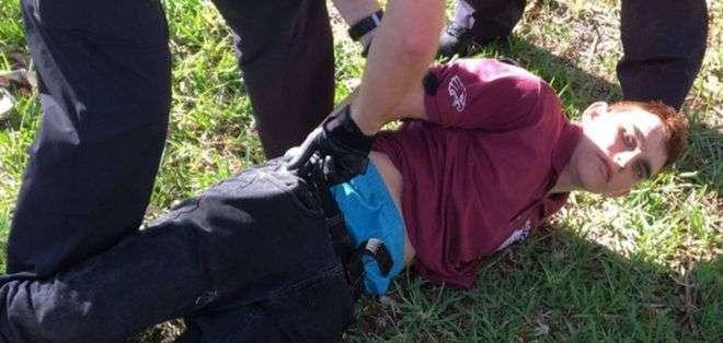 Nikolas Cruz fue detenido poco después de llevar a cabo el ataque en la secundaria de Parkland, Florida. (Foto: WPTV)