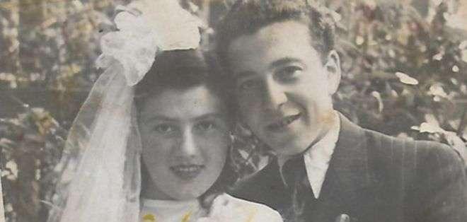 David y Perla se conocieron a través de una de las alambradas de un campo de concentración. Foto: Cortesía