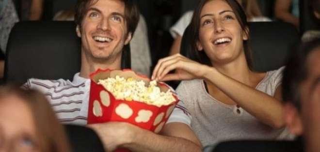 Perú prohíbe el monopolio de venta de alimentos en salas de cine. Foto: Referencial