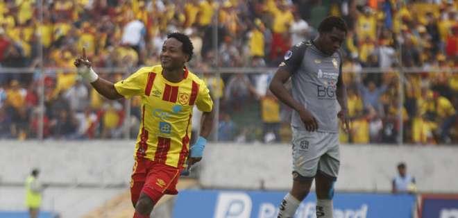 Los goles fueron convertidos por Wagner Valencia y Edson Montaño. Foto: API