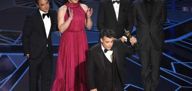 El equipo y elenco de la cinta premiada serán recibidos por Michelle Bachelet en el Palacio de la Moneda. Foto: AFP.