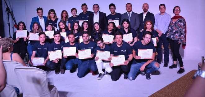 22 alumnos concretaron su sueño y esperan abrirse espacio en el arte. Foto: Franklin Navarro / ecuavisa.com