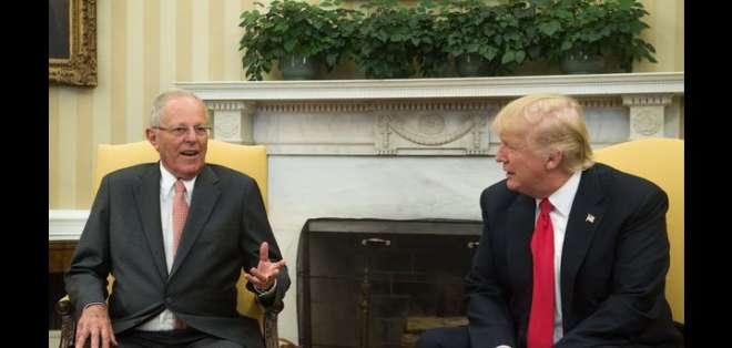 """Trump y Kuczynski """"destacaron la necesidad de que los países de la región trabajen para restablecer la democracia en Venezuela""""."""